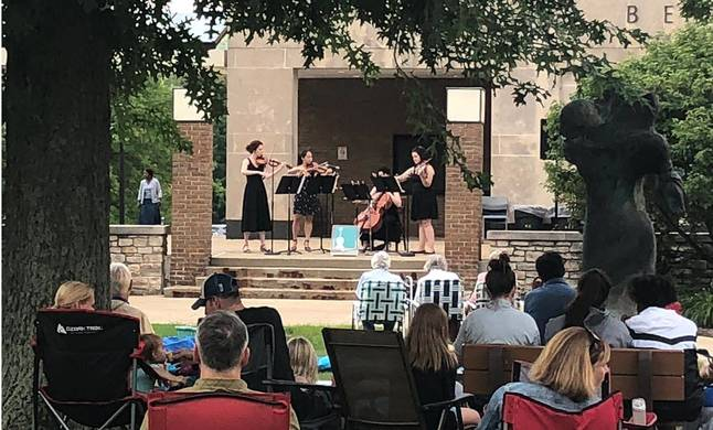 OPUS 216 live on the Ursuline quad